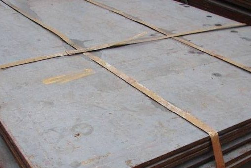 Горячекатаный лист на складе ВВМ